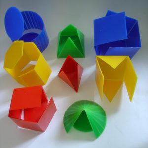 Набор геометрическихразборных тел с разверткой (лабораторный) (2)